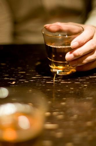 お酒が飲めないのに割り勘って不公平でしょ!下戸たちの不満の声